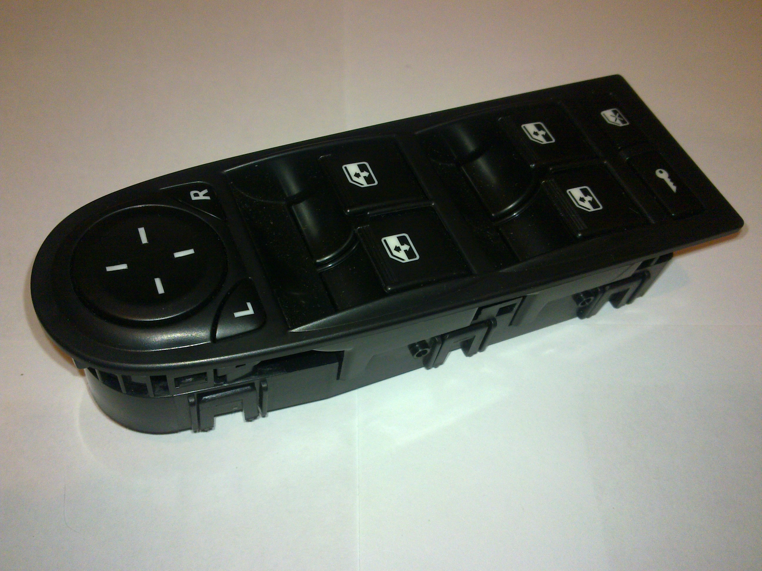 схема подключения кнопки стеклоподъемники калины